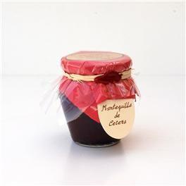 Mantequilla de cereza 200 g Original mezcla de mermelada de cereza muy fina mezclada con mantequilla. Novedad artesana en España sobre la base de recetas internacionales  http://www.selectosfragola.com/product/1837/0/0/1/Mantequilla-de-cereza-200-g.htm