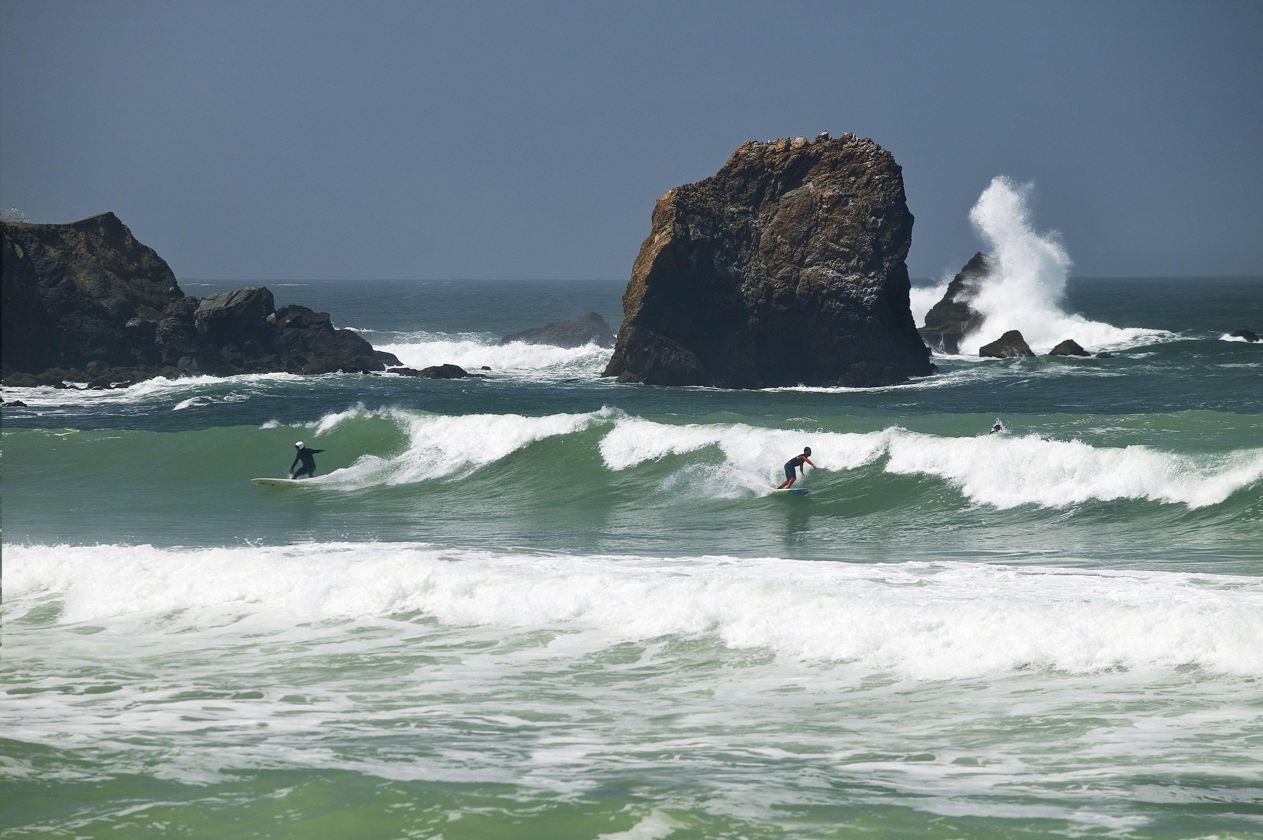 The More Experienced Surfers Ride At Rockaway Beach Rockaway Beach Seaside Towns Gulf Of California