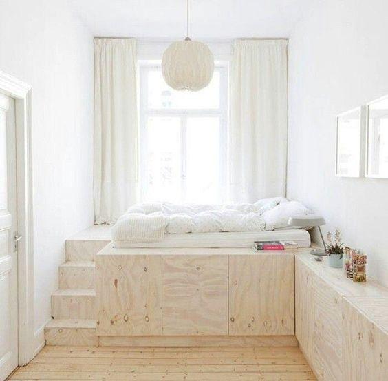Un lit sur une estrade | HOME | Logement étudiant, Amenagement ...