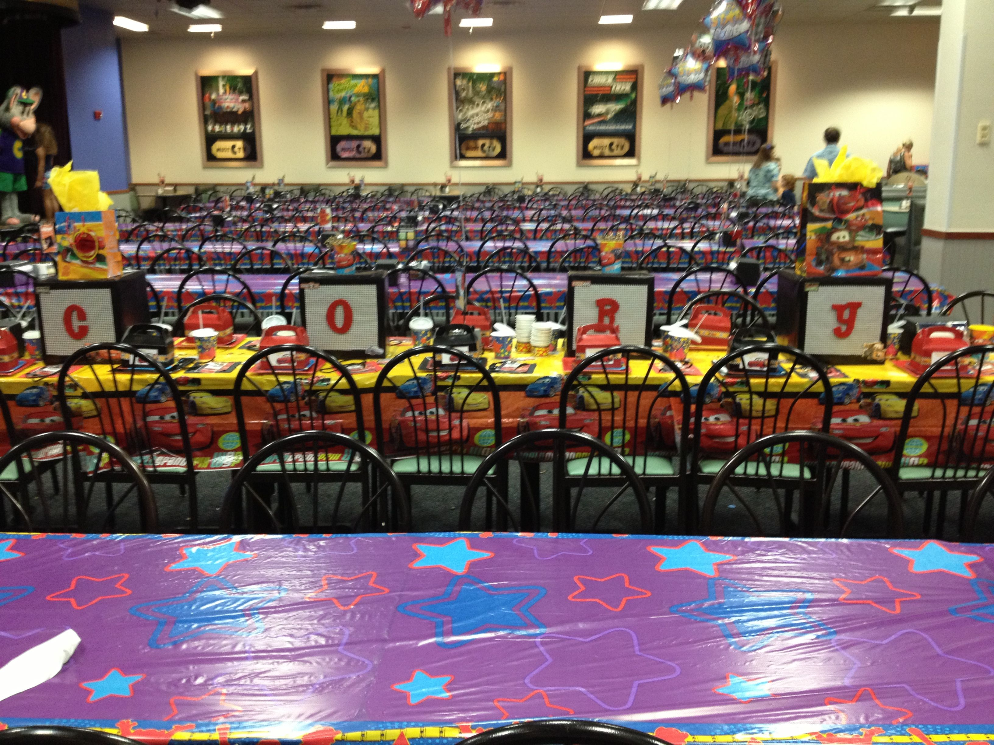 Completed Cars themed table at Chuck E Cheese Cars Birthday Party