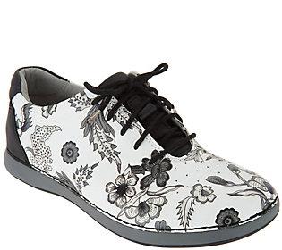 5c2cda75e3c0 Alegria Leather Lace-up Shoes - Essence
