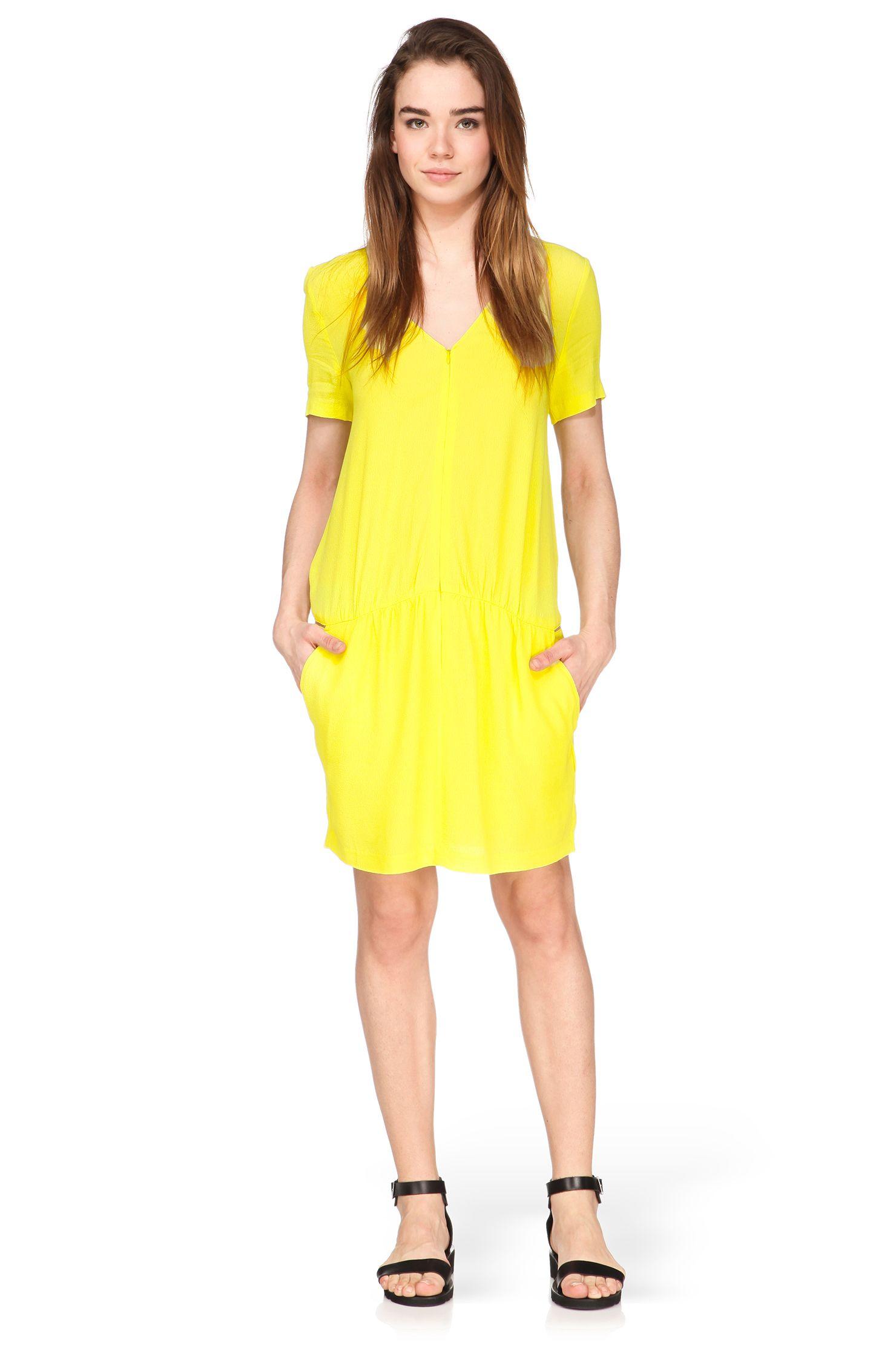 bac4a5d62433 Robe zippée jaune Priscilla Ba sh sur MonShowroom.com   To buy ...