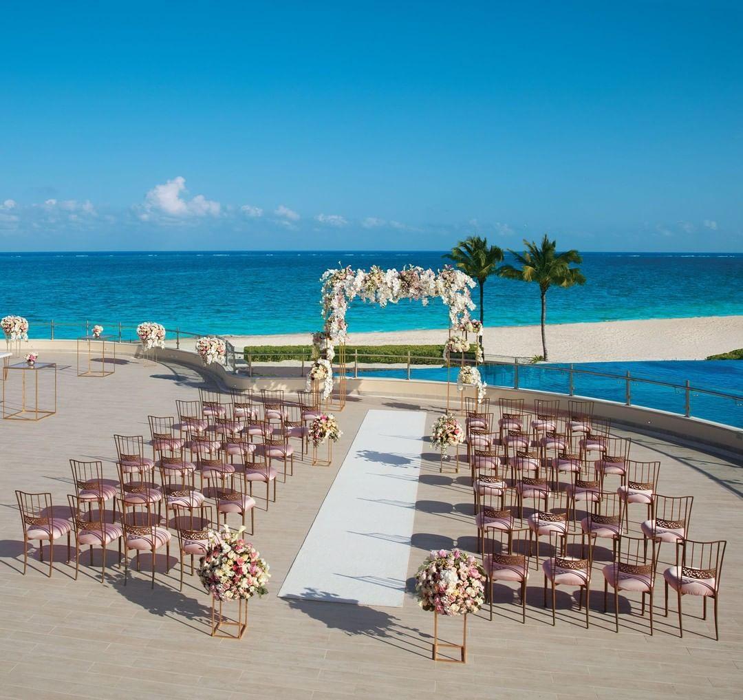 Customize Your Unique Destinationwedding At Beachfront Dreamsrivieracancun Pic In 2020 Dreams Riviera Cancun Resort Mexico Wedding Venue Destination Wedding Mexico
