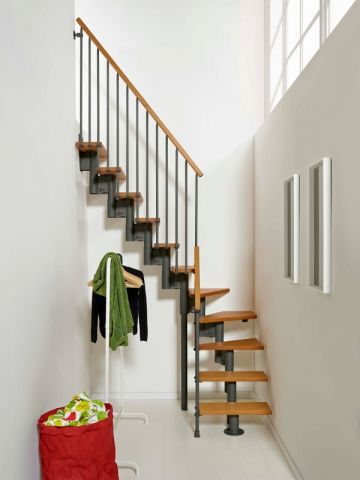 Petits espaces un escalier gain de place pour mon int rieur mezzanine and - Escalier 2 quart tournant avec palier ...