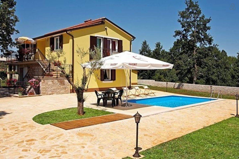 Ferienhaus Mit Pool Fur 10 Personen Ferienhaus Ferienhaus Kroatien Ferienhaus Mit Pool