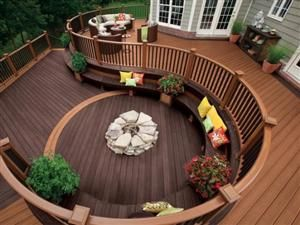 10 Decks Designed To Be Perfect For A Party