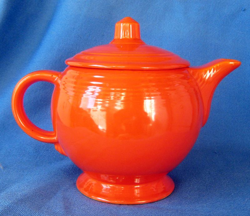 Vintage 1930s Homer Laughlin Fiesta Red Medium Teapot & Vintage 1930s Homer Laughlin Fiesta Red Medium Teapot | Depression ...