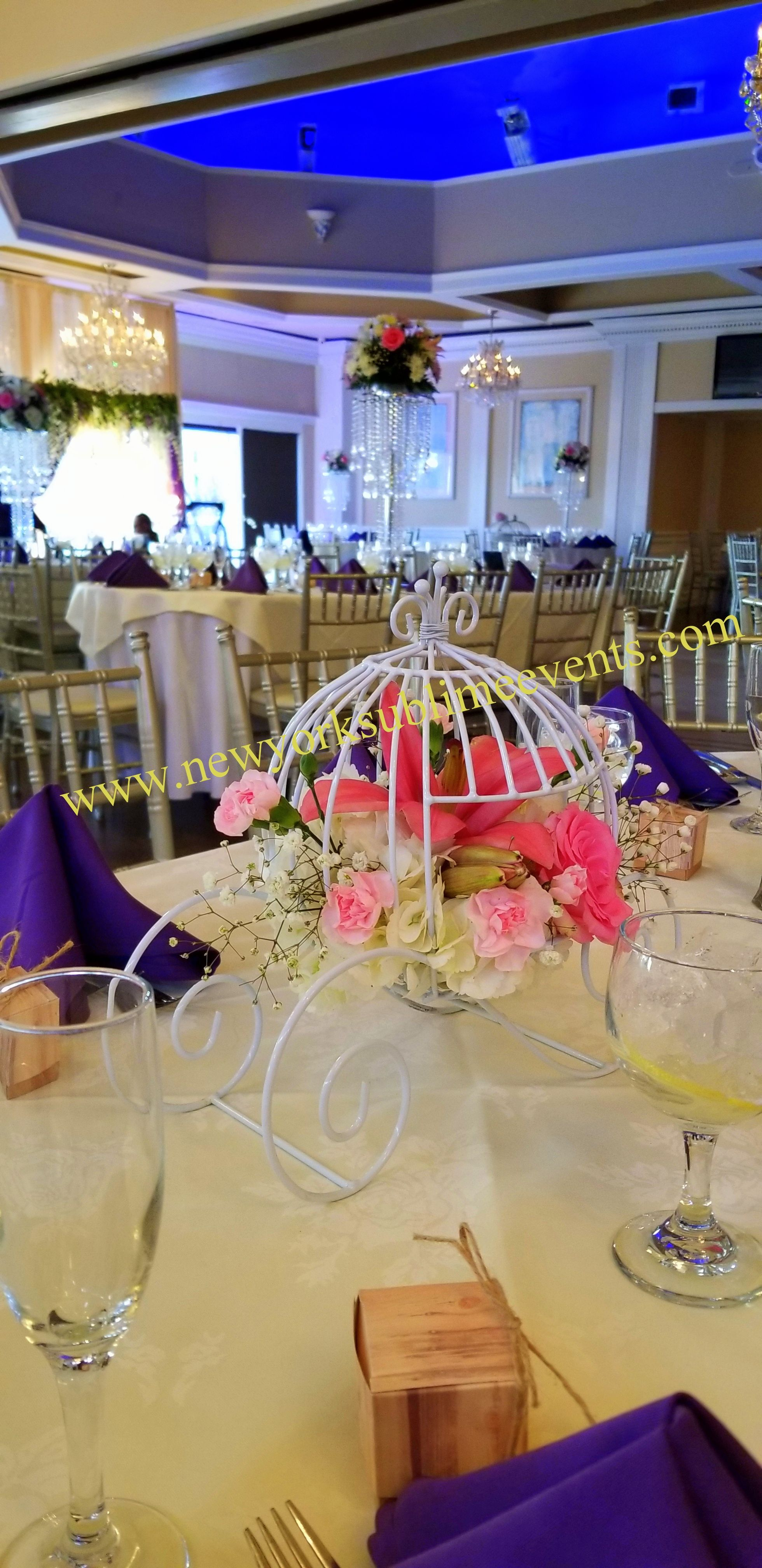 Cinderella Carriage Centerpieces Looking Adorable On This Wedding Table Setting