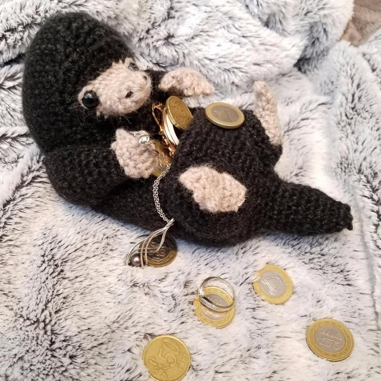 Free Dobby Amigurumi crochet pattern. Dobby is finally free! Lots ... | 756x756
