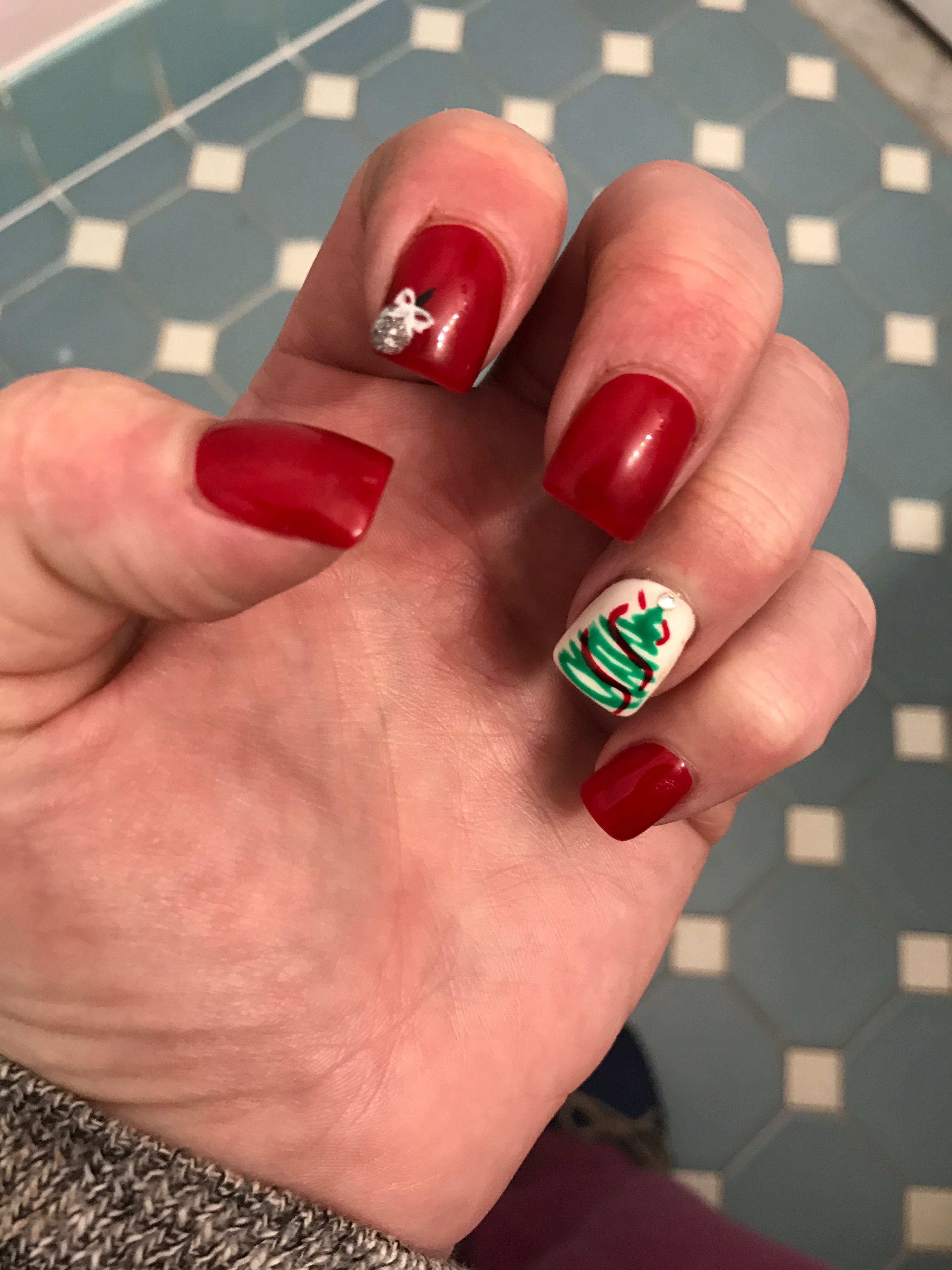My Christmas Nails 2016 Red Gel Manicure Accent Nail White With Green Tree And Ribbon Thru It Silver Ornament On Pointer Finger