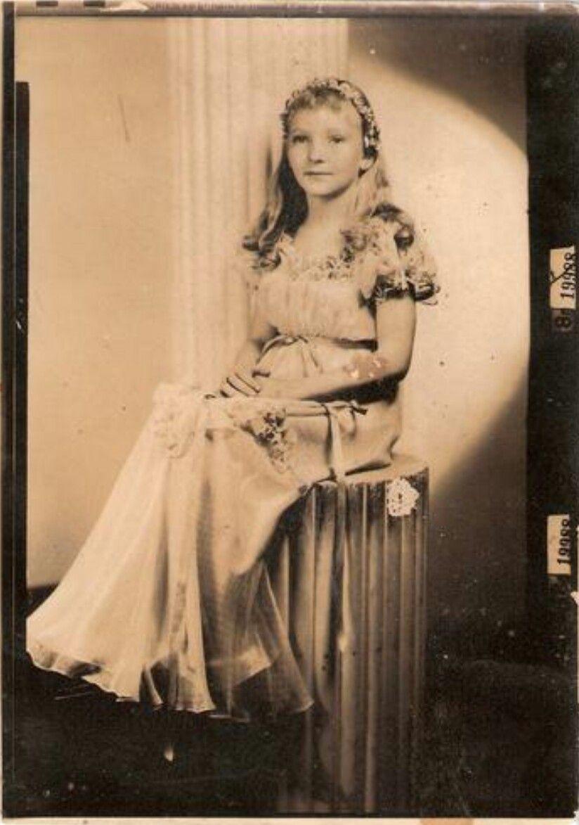 Elaine Paige (born 1948) pictures