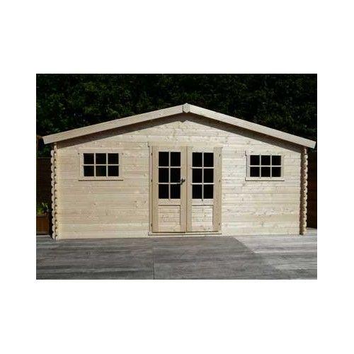 Un toit double pente, deux fenêtres et une ouverture double, voici - monter un garage en bois