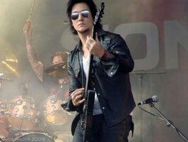 The fabulous Synyster fucking Gates and The Rev in the background being as badass as always