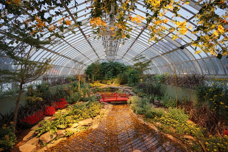 13 Beautiful Botanical Gardens Where It's Easy to Lose