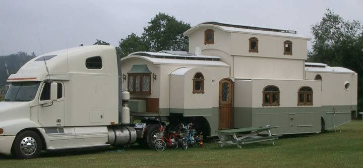 18 wheeler house no they re not rich just determined trailer rh pinterest ca