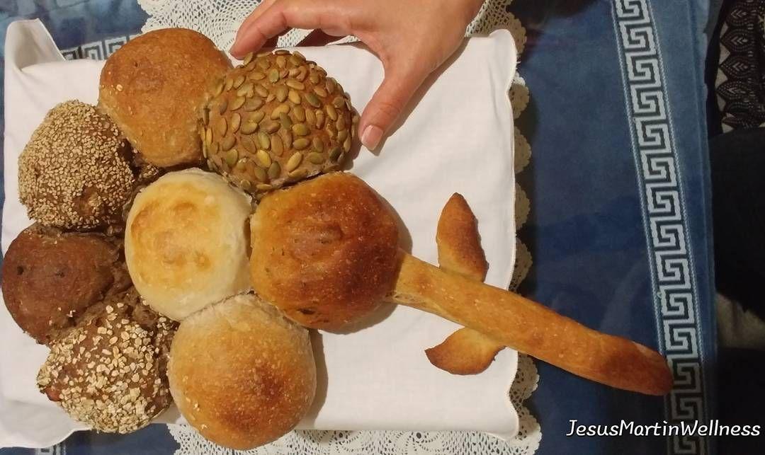 ¿Quieres apreder a cocinar una flor de pan con 8 tipos de panes diferentes?#datiles y #nueces #tomate, #espelta, #Sésamo, #albaricoque higos, #trigoduro, #centeno #khalmalife #cuidateconkhalma #healthyfood #bread #pan
