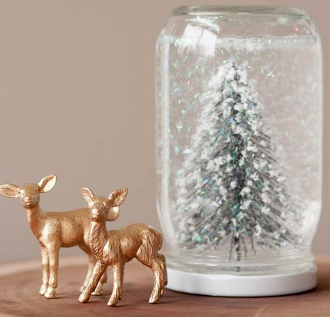 paint thrift store finds with gold and glitter for holiday decor