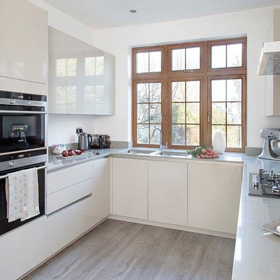 Modern U Shaped Kitchen With Handleless Cabinetry: Best U Shaped Kitchen Design & Decoration Ideas