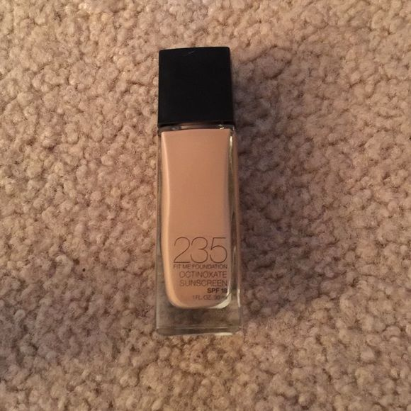 Maybelline fit me foundation I thought I was going to love this line of makeup. It didn't work for me. I used it once. I have combination oily skin. It didn't look good on me.  Maybelline Makeup Foundation