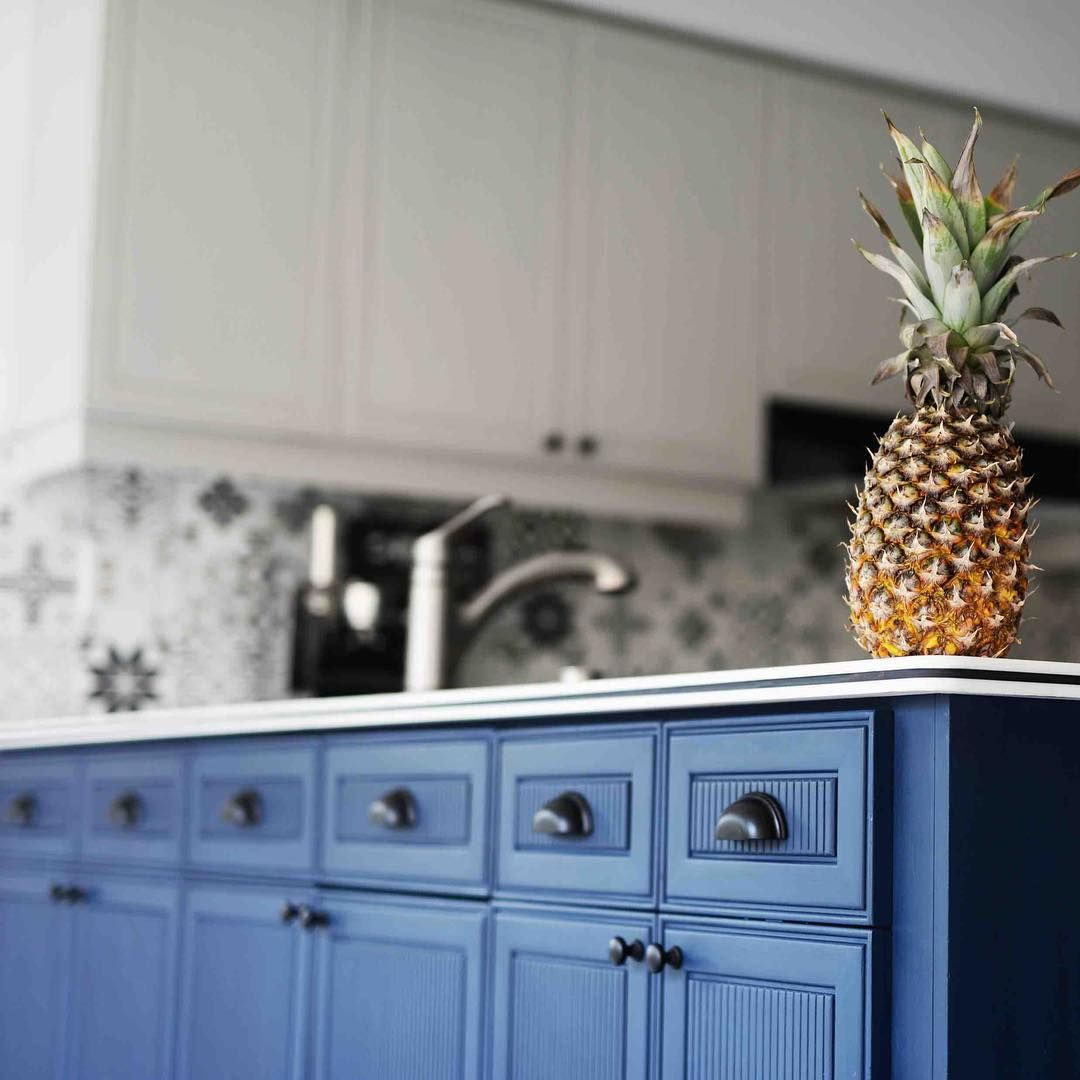 Cabinet Makeover with Chalk Paint® decorative paint | Project by ...