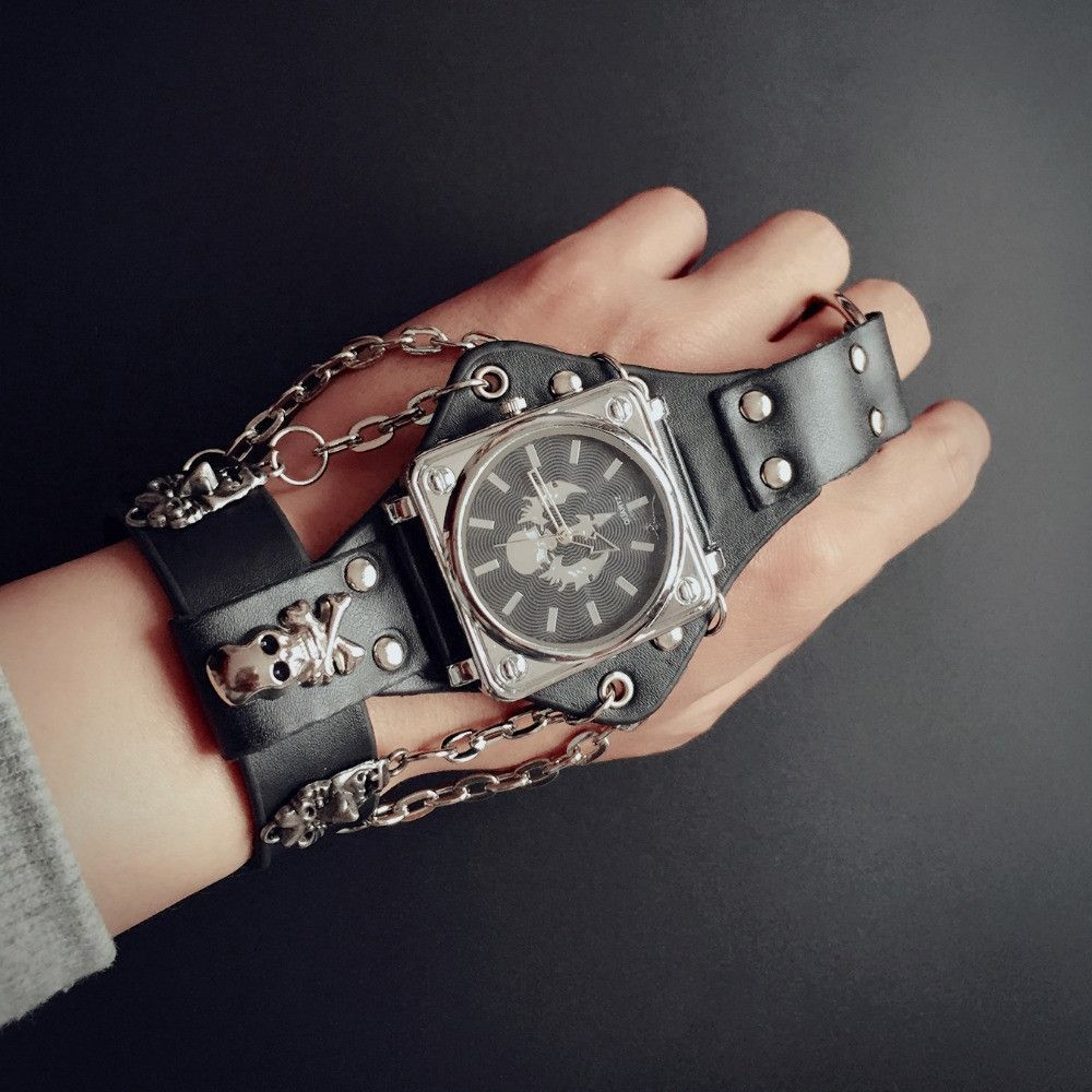 Hot New Men Punk Skull Black Leather Bracelet Wrist Watches with