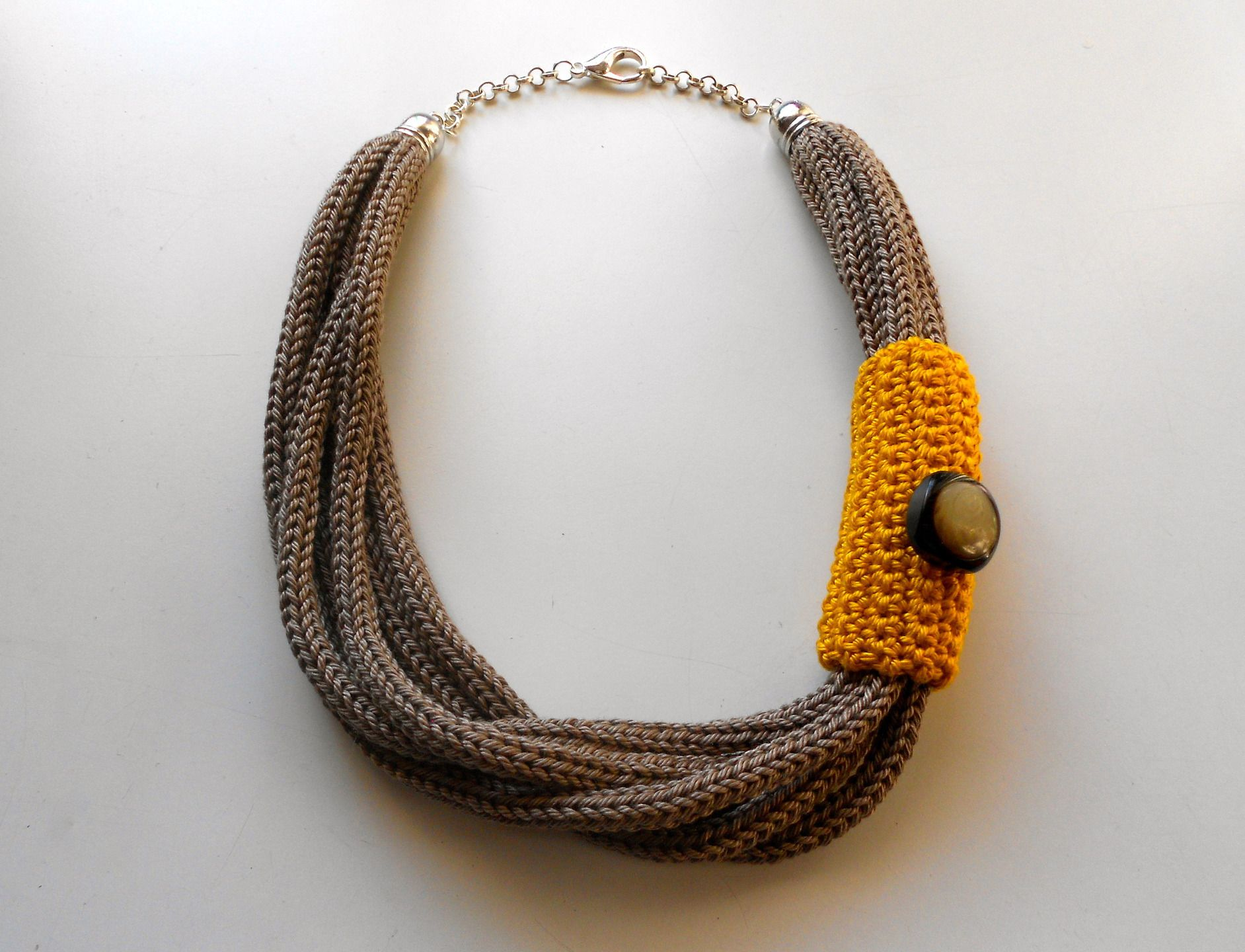 Collana tricot senape e tortora collane di imma art - Collane di design ...