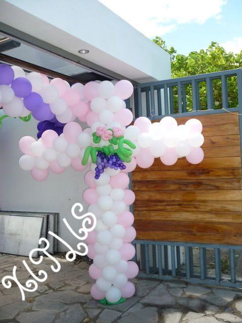 Cruz con globos apropiada para decorar en cualquier - Decorar con globos ...