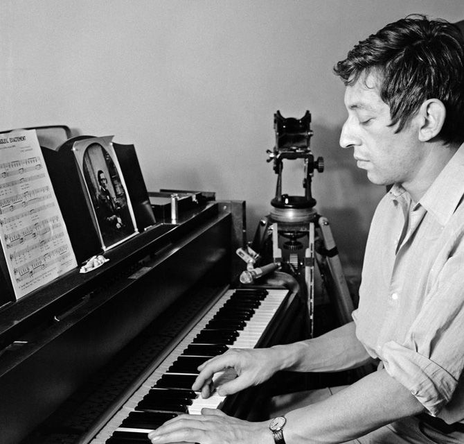 Gainsbourg Et Son Look Simple Serge Gainsbourg Piano Fun To Be One