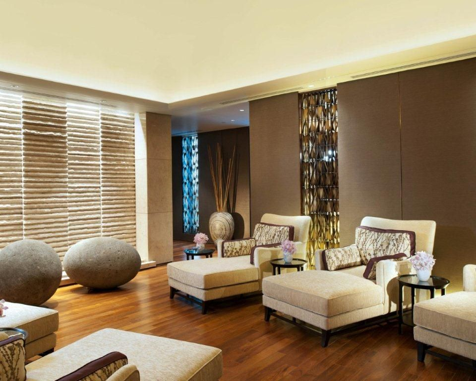 Home Spa Design Ideas: Modern Rustic Sitting Room And Spa Room Design With
