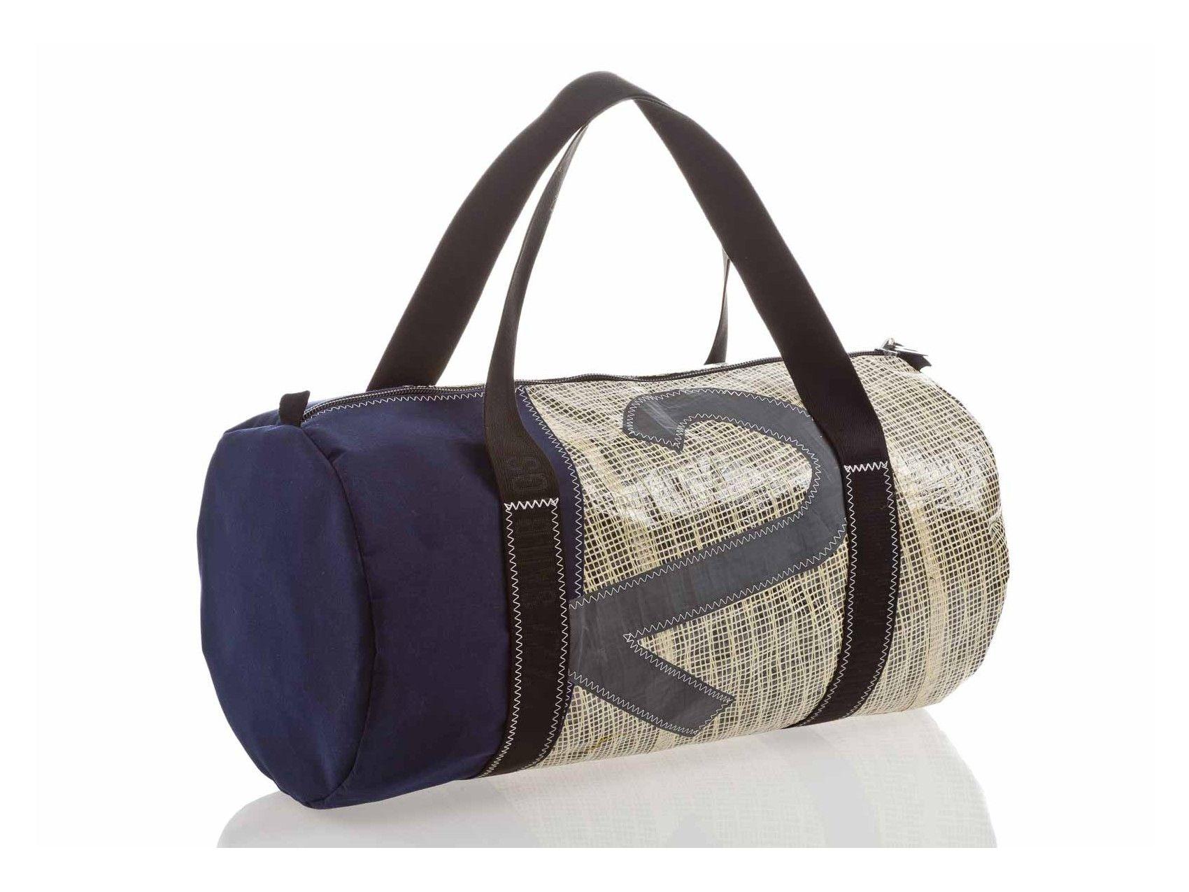 b7adf4feebf6 Travel bag in recycled sailcloth