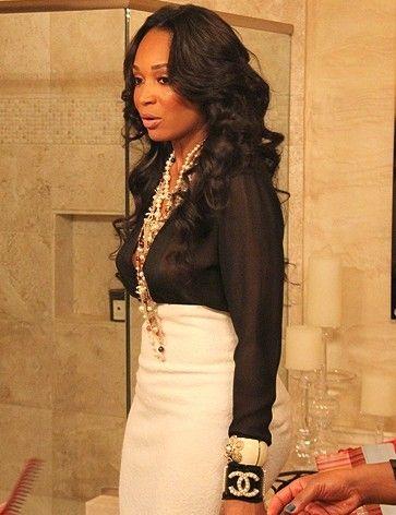Black top & White bottoms...Vogue