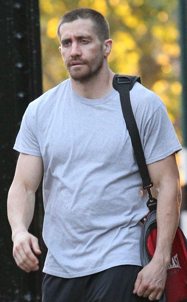 Zac Efron Vs Jake Gyllenhaal Who Looks Better All Banged Up Jake Gyllenhaal Jake Jake G