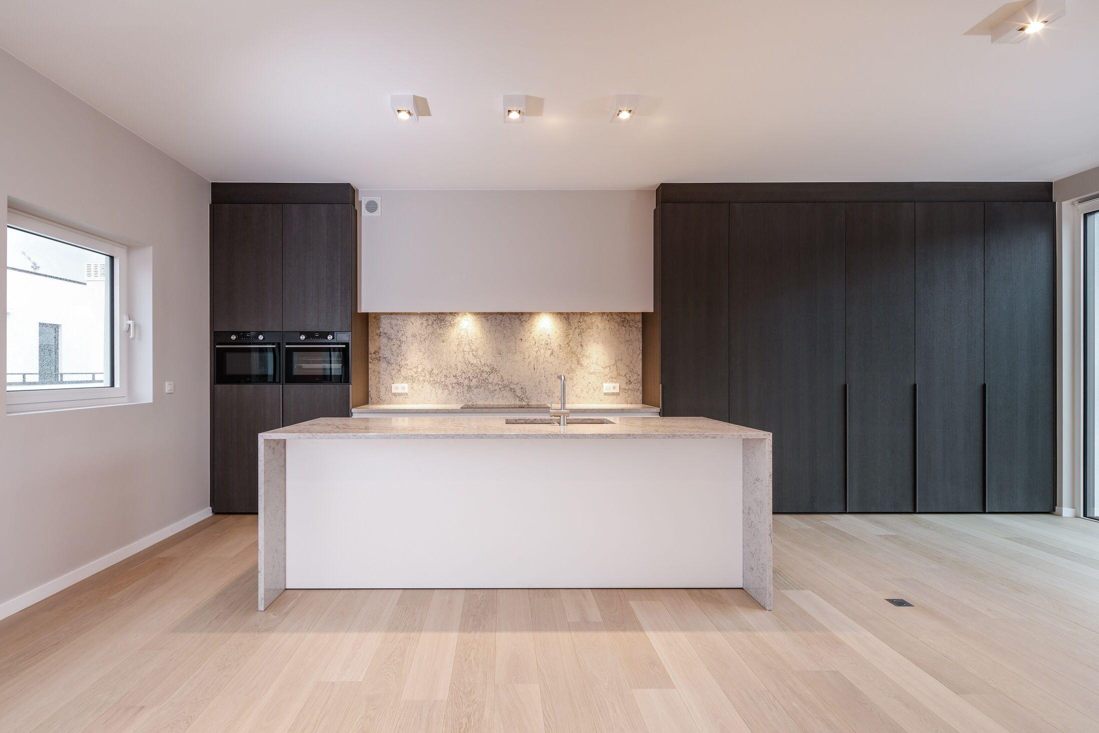 Modern Interieur Wit : Differend #differendinteriordesign #interieurarchitectuur