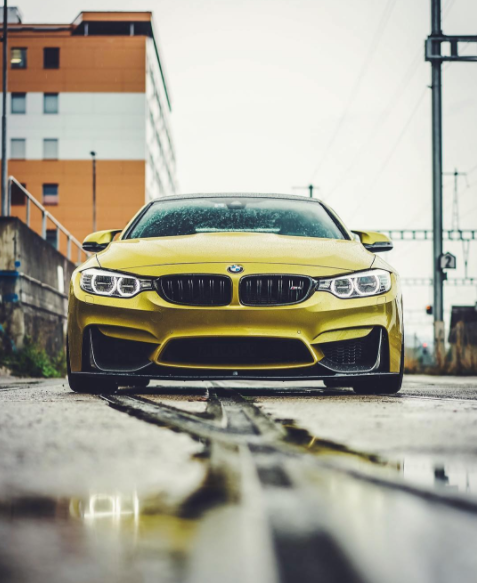 The BMW M4 knows how to work its angles. #MMonday #Mpressive Photo by: @carswithluke