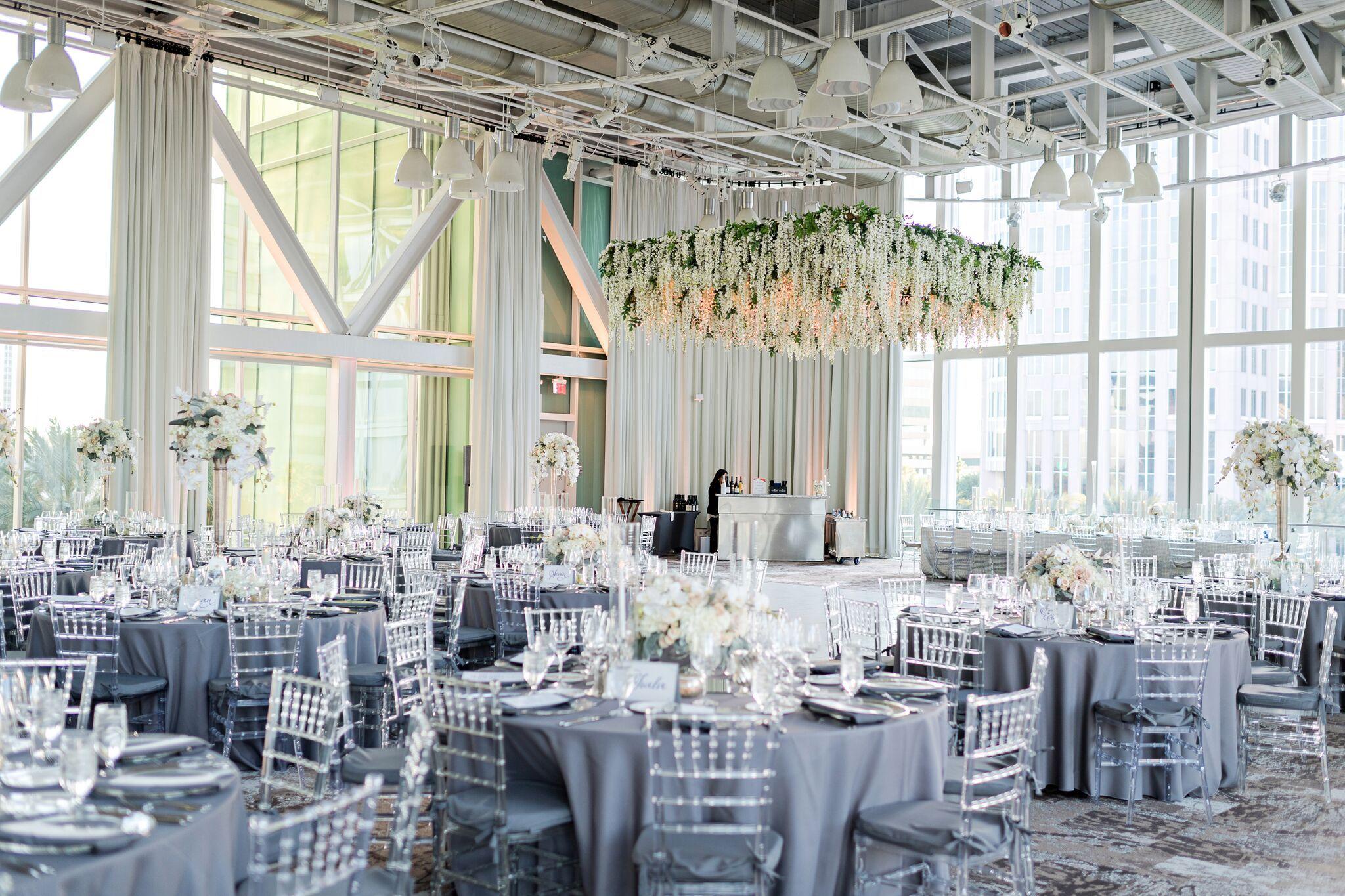 Clear Chiavari Chairs Orlando Wedding And Party Rentals Low Cost Wedding Wedding Rentals Chiavari Chairs