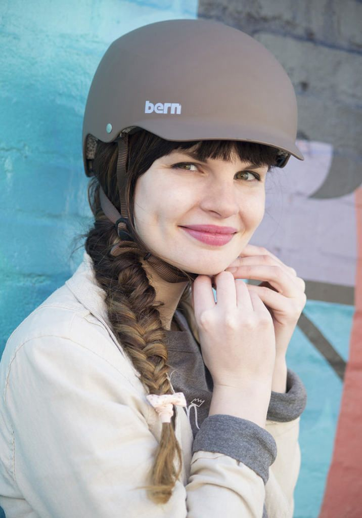 Braids Galore Fall Trend For Bike Friendly Hair Eleanor S Stylish Bicycle Accessories For Ladies Fahrradhelm Damen Fahrradhelm Helm