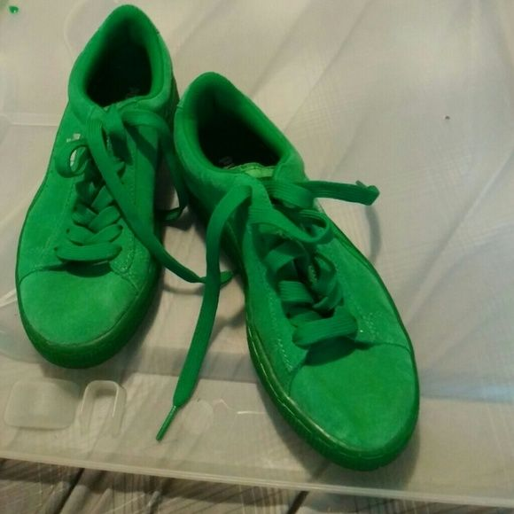 Green puma Brand new only wore once Puma Shoes Sneakers