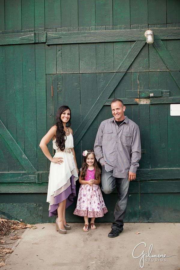 Photo of Crystal Cove Family Portrait – Newport Beach – Gilmore Studios   Orange County Newborn Photographer   Cake Smash Photography