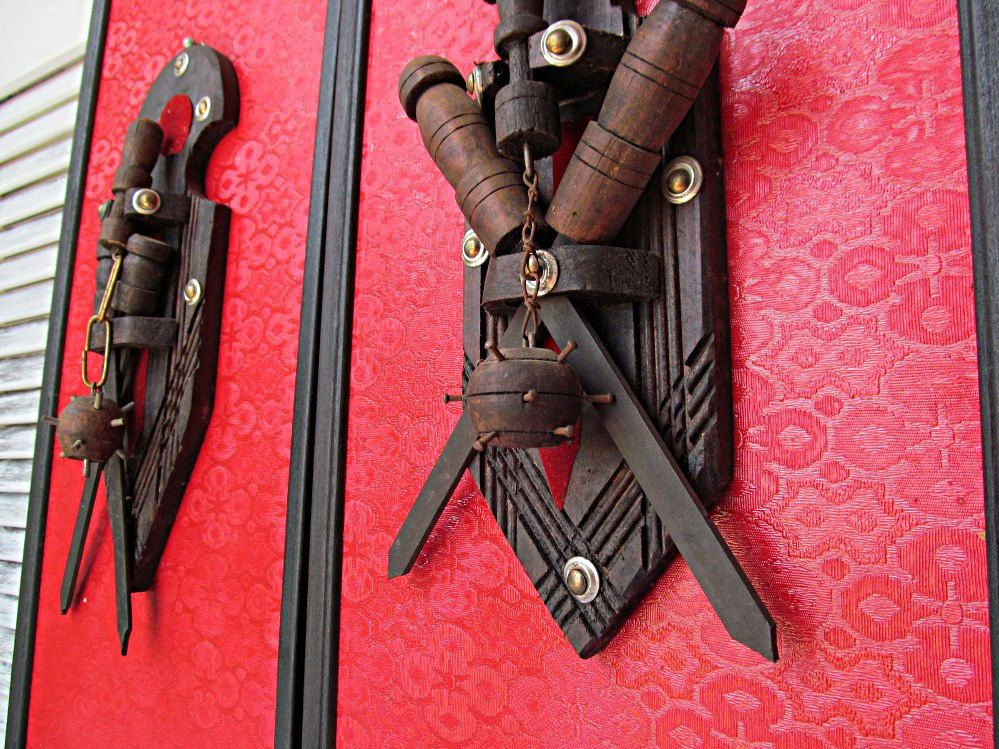 Gothic Red Mid Evil Wall Art Sculptural Dungeon Home Decor Weapon