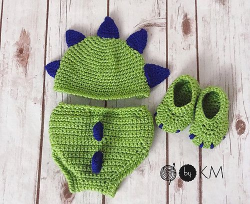#hatdiaper #crocheted #dinosaur #pattern #booties #diaper #cover #link #free #paid #set #and #toCrocheted Dinosaur Diaper Cover Set Link to free hat/diaper cover pattern and paid booties pattern. #crochetdinosaurpatterns