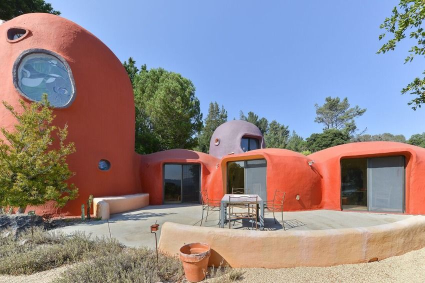 We Yabba Dabba Do Want To Live In This Flintstones House That S Up