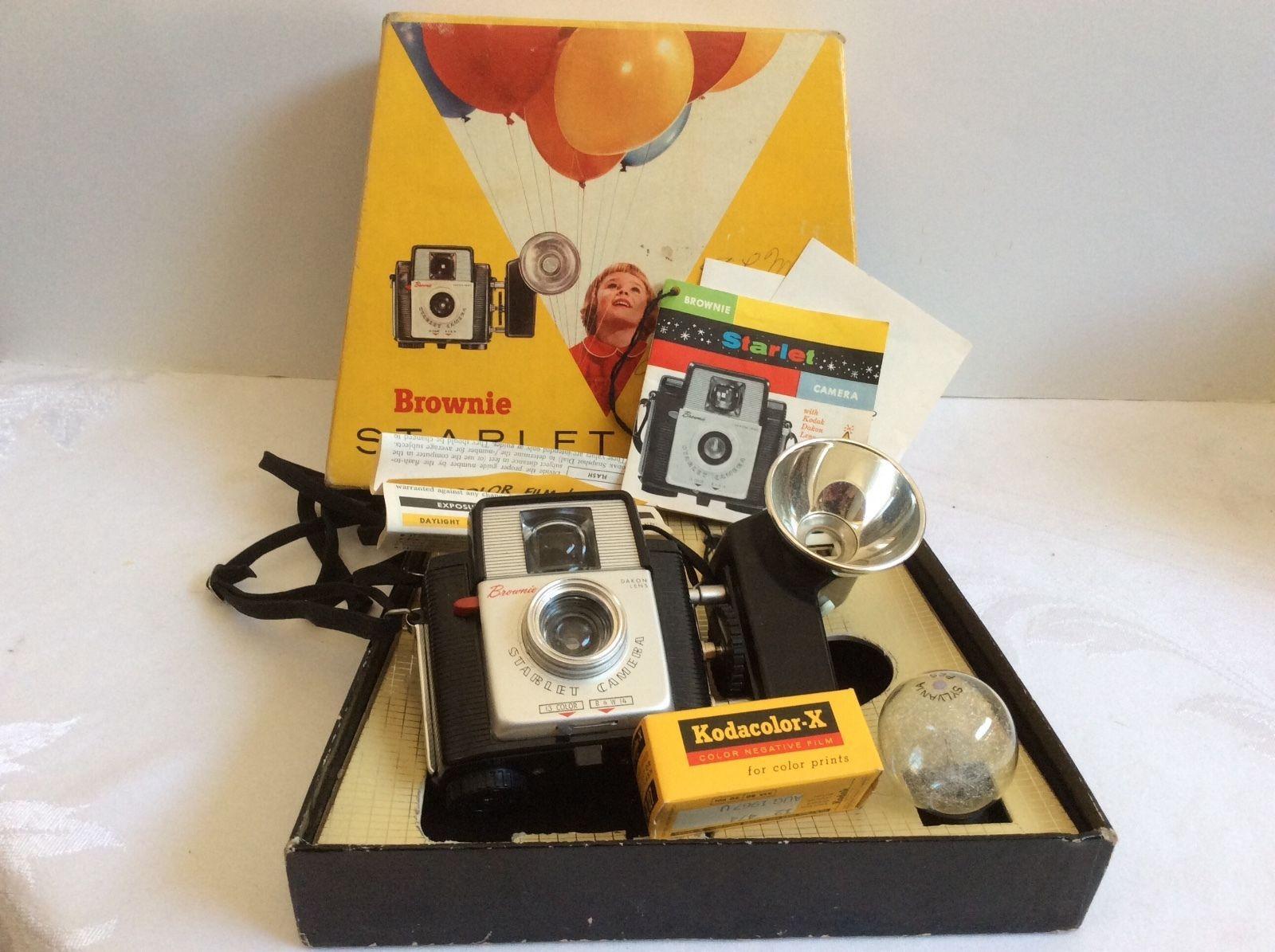 Vtg Kodak Brownie Starlet Camera Outfit No 23e Set Color Film Flash Light Bulb Party Items Color Film Ebay