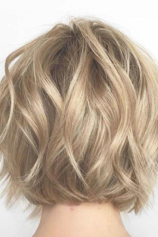 Pin By Wava Fay On Frisuren In 2020 Wavy Bob Haircuts Short Thin Hair Short Wavy Hair