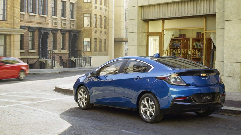 2016 Chevrolet Volt has a claimed EV range of 50 miles