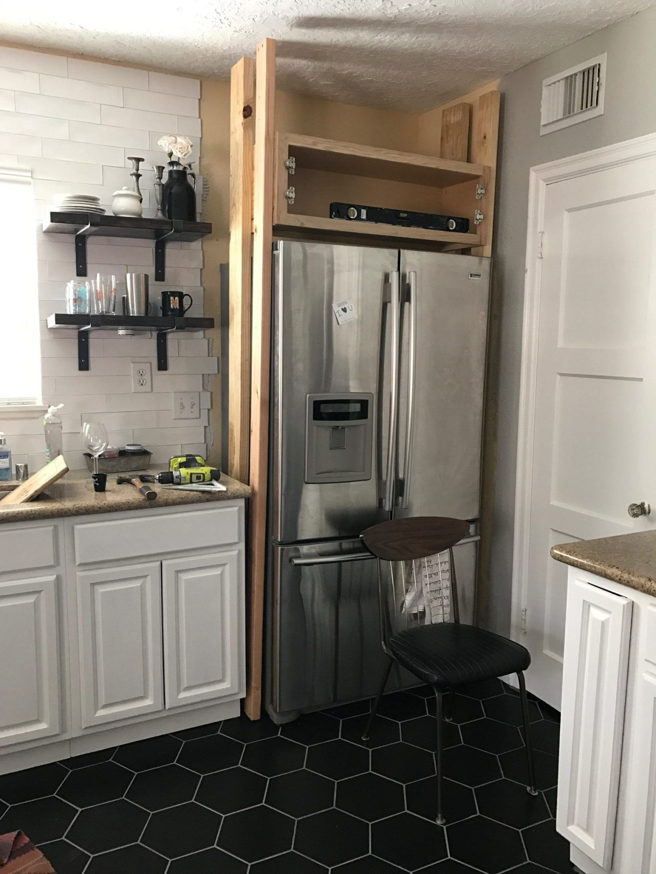 We've got the Fridge Surrounded   Small american kitchens ...
