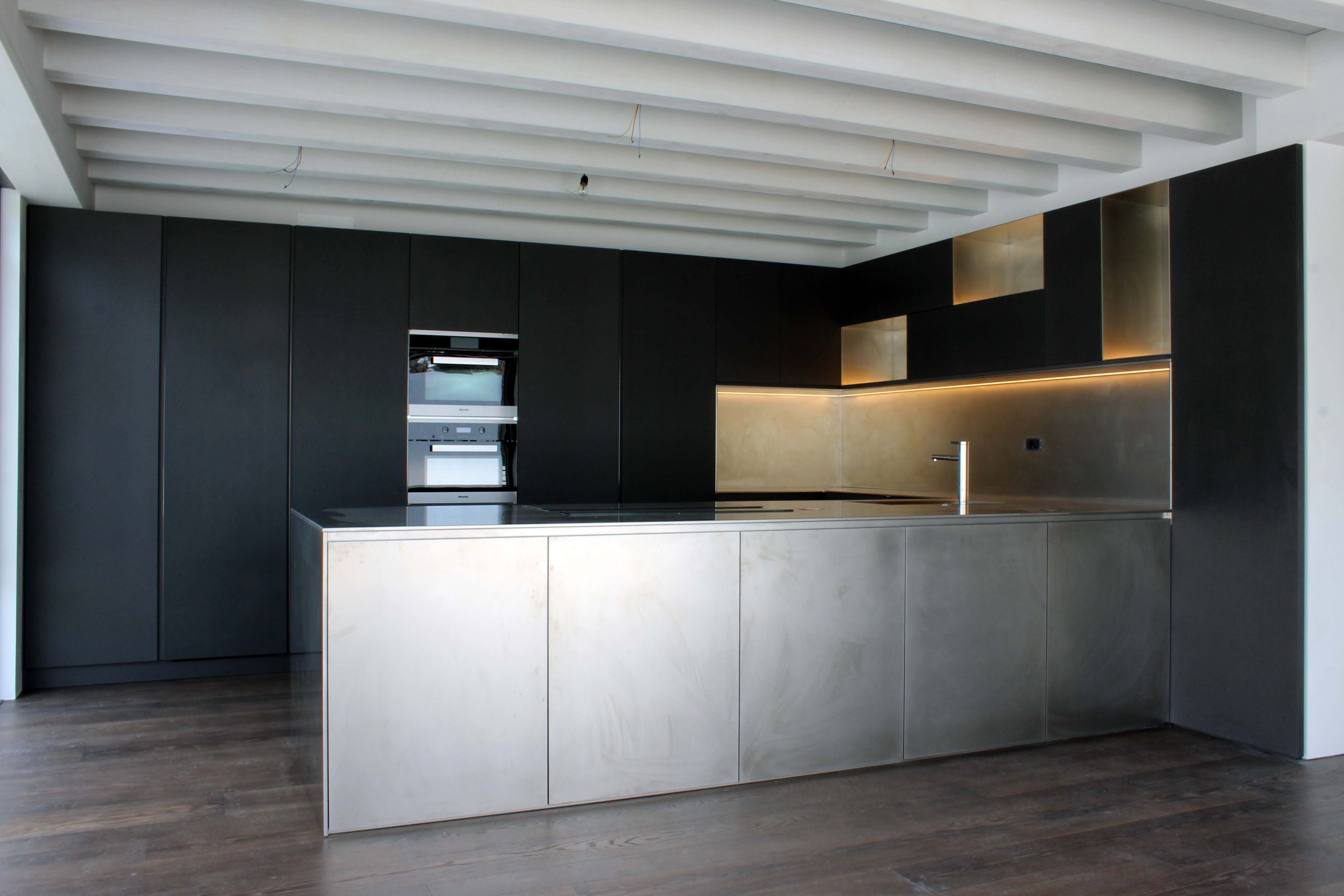 Dimostrazione Cucina su misura acciaio e valchromat design by Luca ...