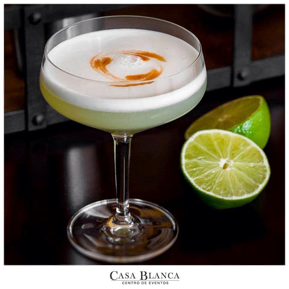 """COCKTAIL NIGHT #PiscoSour   Este exquisito cocktail está hecho a base de pisco, limón y azúcar. Se puede preparar """"seco"""" el cual se caracteriza por tener menos azúcar o """"dulce"""".  INGREDIENTES - 2 medidas de Pisco. - 1 medida de jugo de limón. - Clara de un huevo. - 1 medida de azúcar.  PREPARACIÓN Vas a necesitar una coctelera la cual tienes que llenar con hielo hasta 2/3 de su capacidad, luego se agregan los ingredientes señalados sobre el hielo, el azúcar es dependiendo el gusto"""