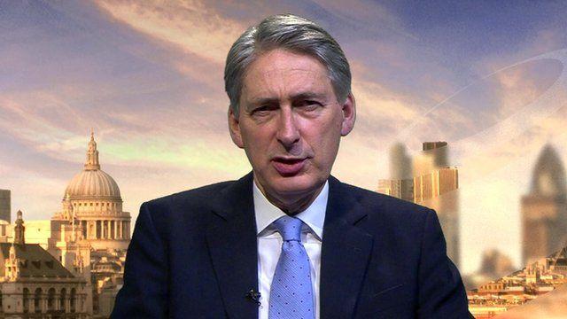 BBC News - Army recruitment a 'big challenge'