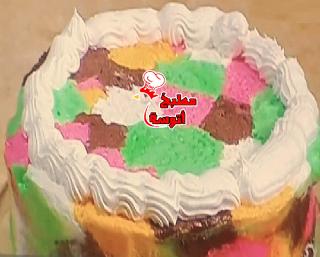 تورته ايس كريم الوان بطريقة الشيف هالة فهمي البلدي يوكل مطبخ أتوسه على قد الايد Ice Cream Cake Cream Cake Desserts