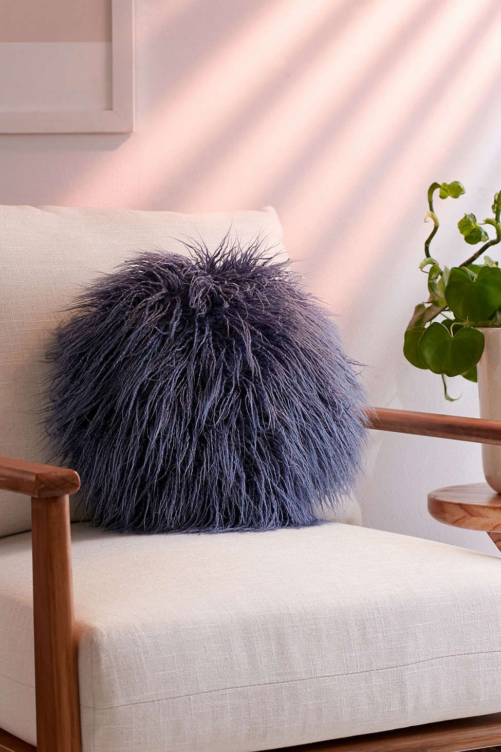 willow faux fur round pillow round
